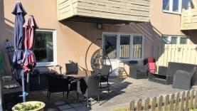 2a med egen uteplats, ca 2 km öster om ringmuren i Visby