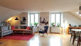 Rymlig våning för mingel och boende i Hästbacken. Fantastisk utsikt över hela Visby.