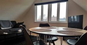 Boka 2020 - Fastighet med 3 separata lägenheter, 16 bäddar, en kort promenad från Almedalen via strandpromenaden