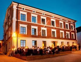 Boka 2020 - Donners Hotell, matsalen och baren uthyres halvdag för event, middagar och mingel.