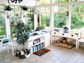 Boka 2019 - Rymligt hus med 5 sovrum, stor trädgård och 9 bäddar i östra Visby