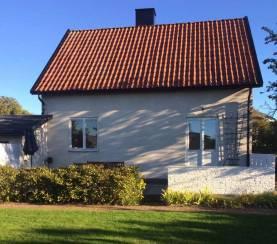 Litet hus 10 minuters promenad från Innerstan / Ledigt 2017 (kontrollerad oktober 16)