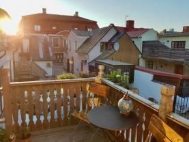 Rymlig 3:a på Adelsgatan mitt i Visby innerstad