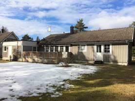 Rymlig villa med 4 sovrum, ca 6 km söder om Visby