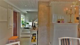 Boka 2020 - Innerstan - Stor trädgård 500 kvadrat - Mingel ingår - Lyxigt boende för fyra