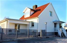 Fristående villa ca 1,7 km från Visby innerstad - upp till 8 bäddar