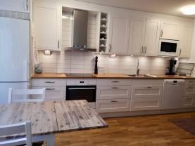 Boka 2020 - Fräsch lägenhet på S:t Hansgatan, ca 100 meter från Almedalen
