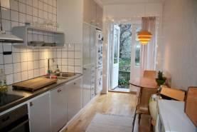 Boka 2019 - 2a med tillgång till trädgård mitt i Visby innerstad