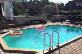 Boka 2020 - Härlig villa med pool - upp till 8 bäddar
