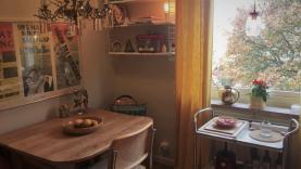Boka 2020 - Fin lägenhet mindre än 2 km från ringmuren