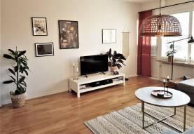 Boka 2020 - Hemtrevlig och ljus lägenhet - 1 km från Österport
