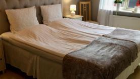 Boka 2020 - Hus med 3 sovrum bara 2 km från ringmuren