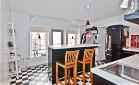Boka 2020 - Fräsch lägenhet på Mellangatan, precis intill Almedalen.