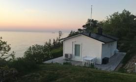 Boka 2019 - Stuga med Havsutsikt - 5 km till Centrum