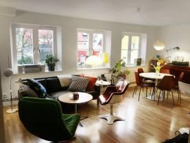 Etage-lägenhet på 2 plan vid Visby Domkyrka