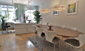 Boka 2020 - Representativt boende & kontor - Rundabordssamtal för 10 personer -  Adelsgatan i Innerstan