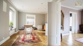 Boka 2020 - Otroligt fin hotellägenhet - Intill Almedalen - Hotellfrukost ingår