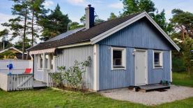 Boka 2020 - Sommarställe - Tre små hus strax norr om Visby
