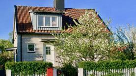 Boka 2020 - Fräscht hus med 7 bäddar 1,6 km utanför Söderport