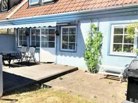 Boka 2020 - Fräsch 2-plansvilla med 3 separata sovrum - upp till 10 bäddar