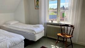 Boka 2022 - Visbys bästa utsikt? Charmigt hus med äldre standard.
